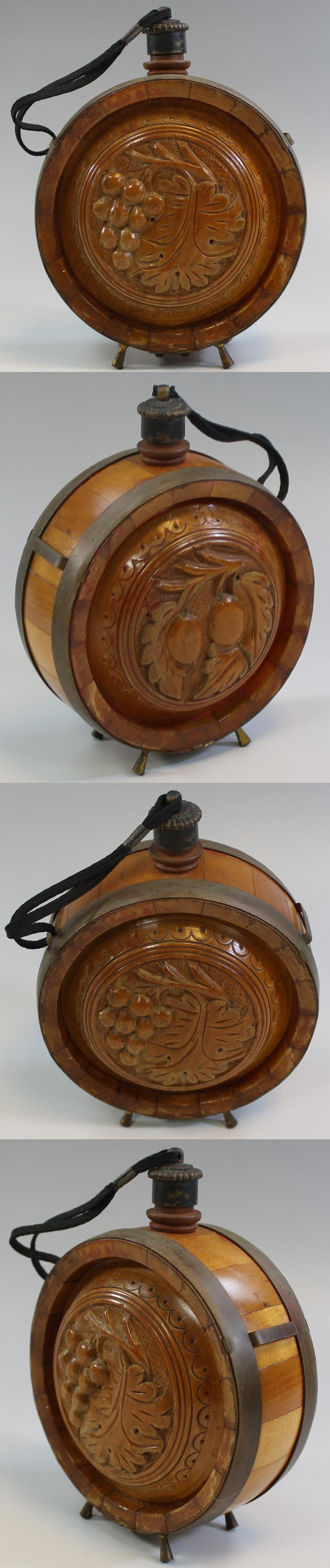 287木彫水筒ワイン入れ1